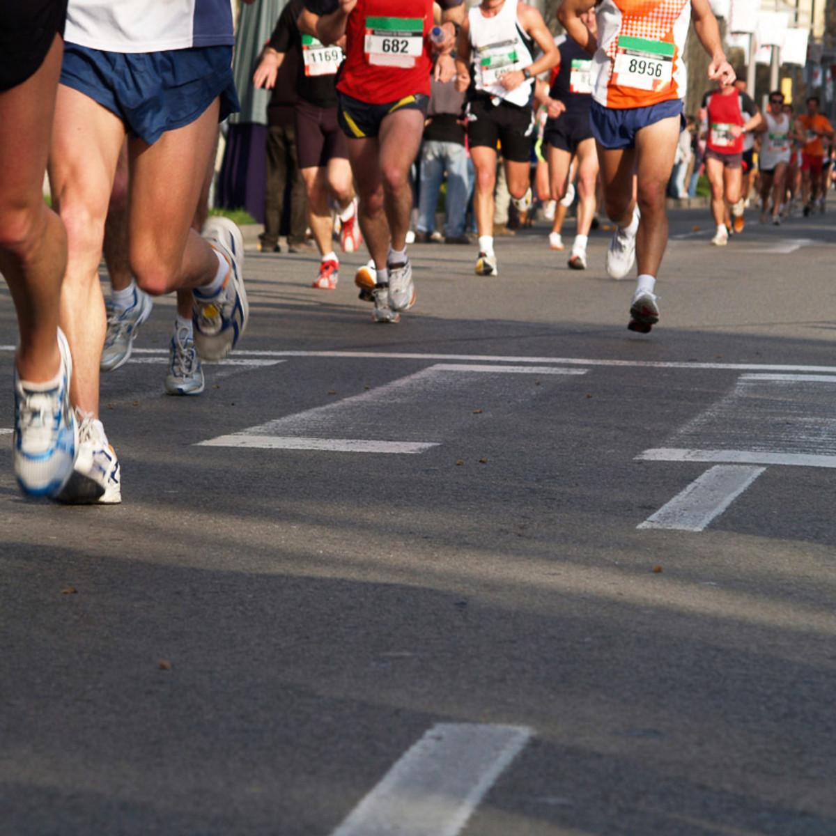 News_Runners_marathon_tennis shoes_street