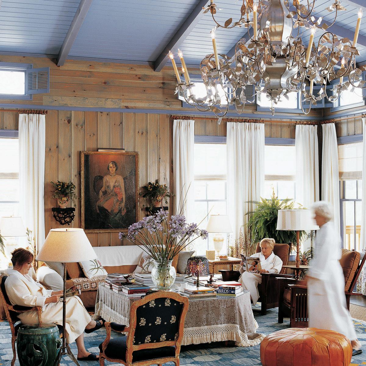 News_Lake Austin Spa_chandelier