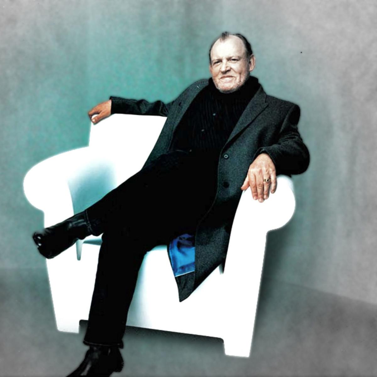News_Michael D. Clark_Joe Cocker_chair_concert pick