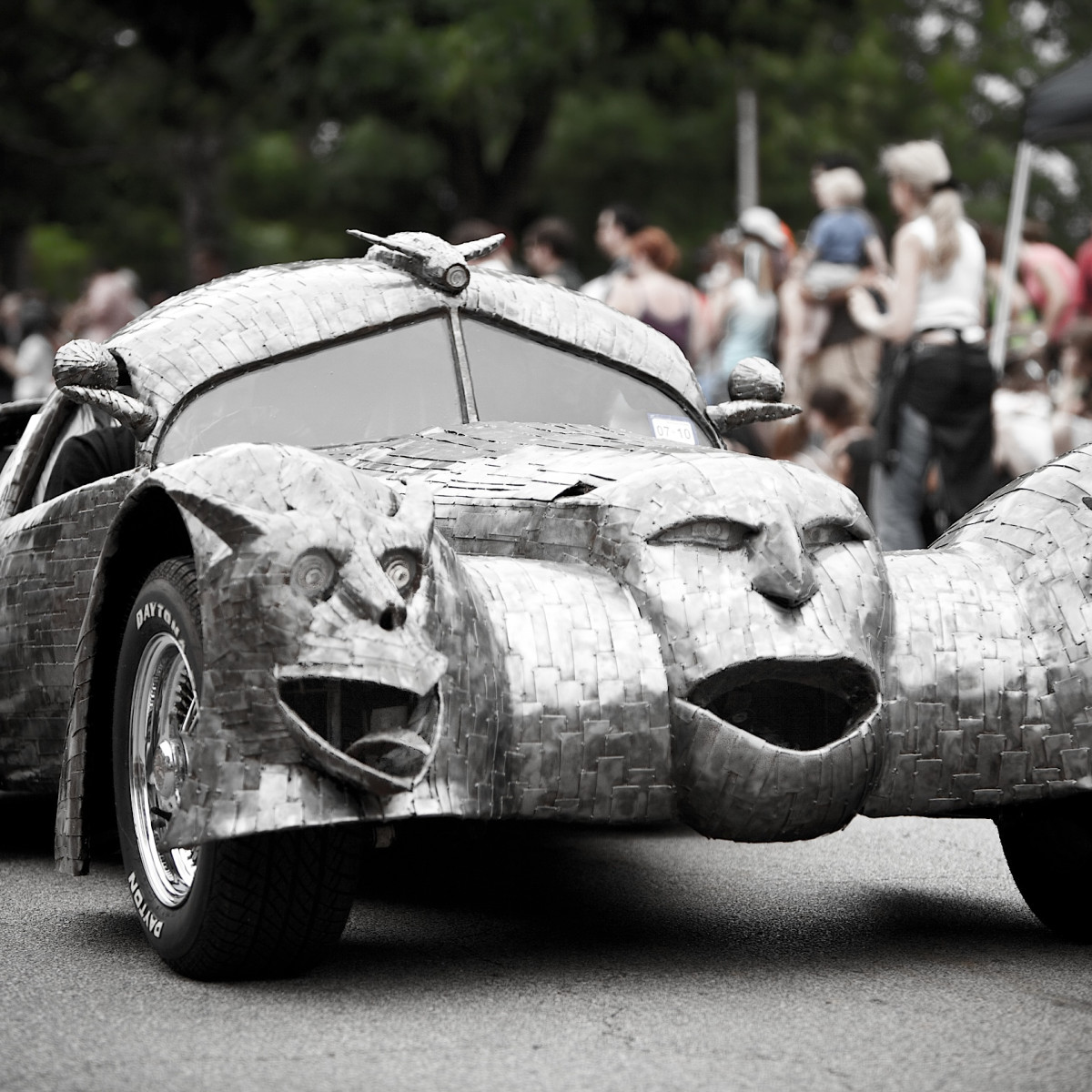 News_Art_Car_Parade_art car