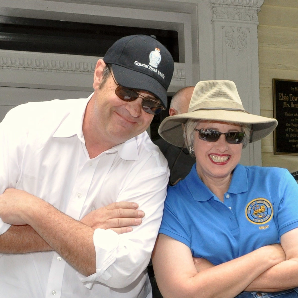 News_Art Car Parade_Dan Aykroyd_Annise Parker
