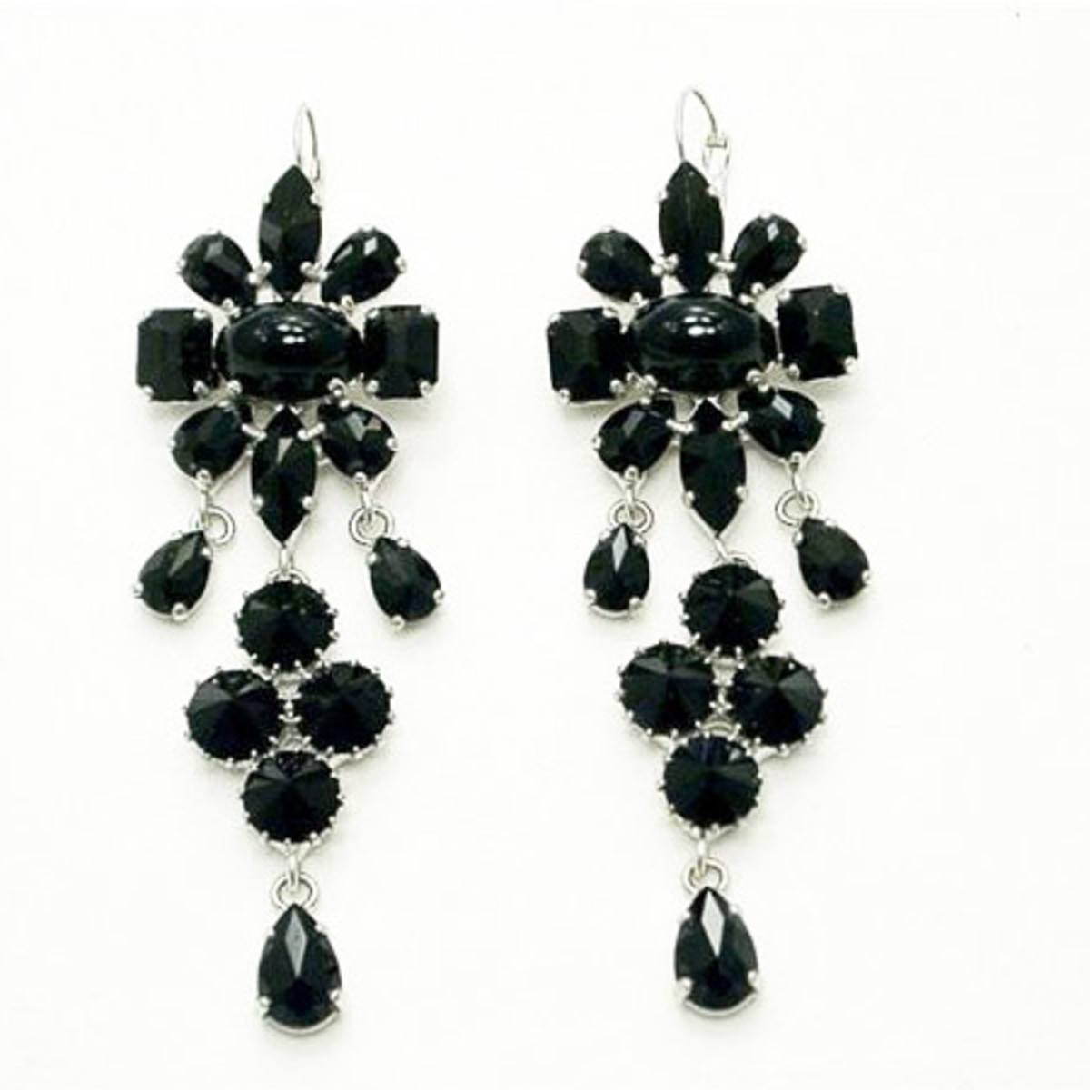 News_Heather Staible_Sex and the City_Otazu_black drop earrings