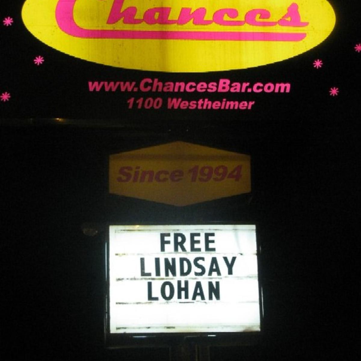 News_Chances_Lindsay Lohan_free_sign