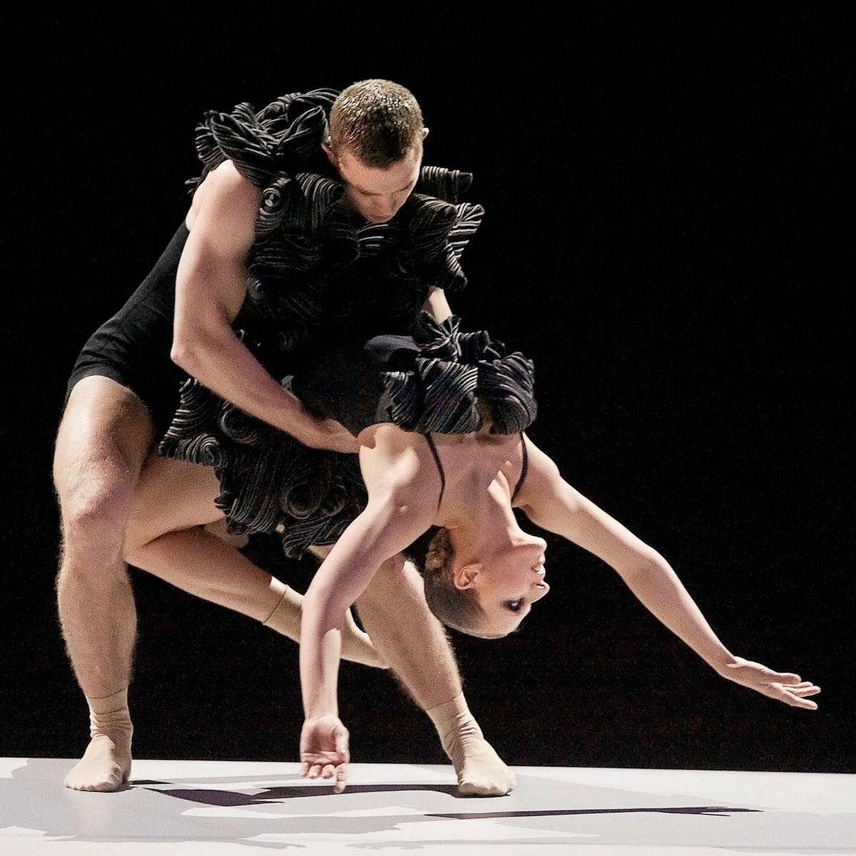 News_Nancy Wozny_Jacob's Pillow_Erik Johansson_Ellah Nagil_The Göteborg Ballet_in OreloB of 3xBoléro