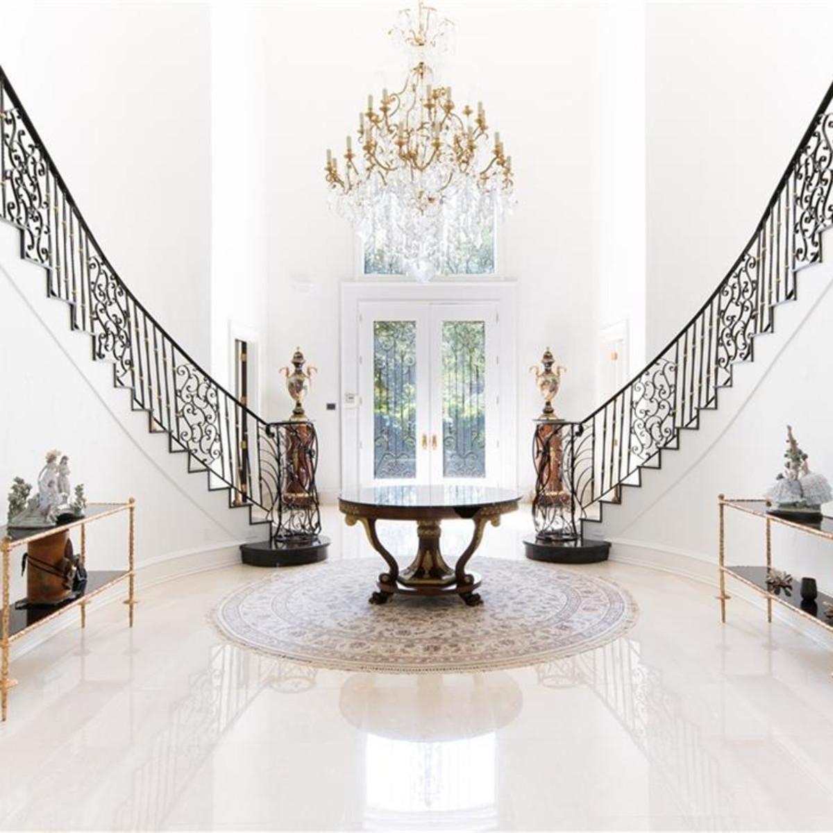 Dallas palace for sale, 9006 Douglas Ave.