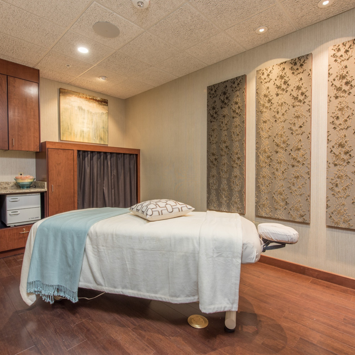 Spa massage room, Life Time Athletic