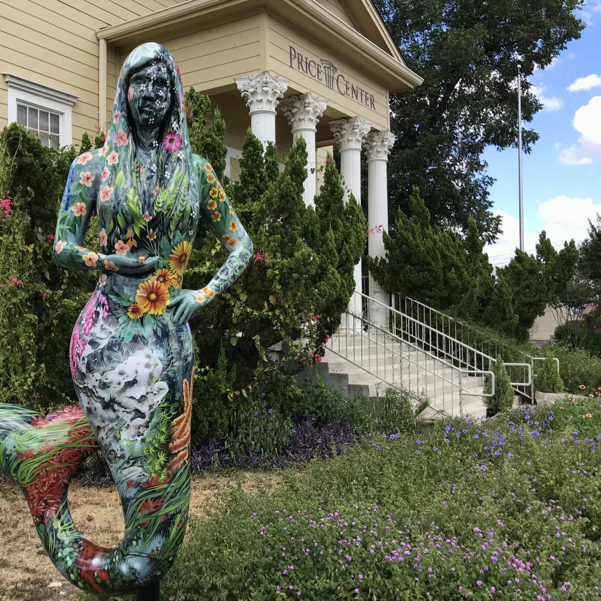 "Mermaid March sculpture ""Dianne"""