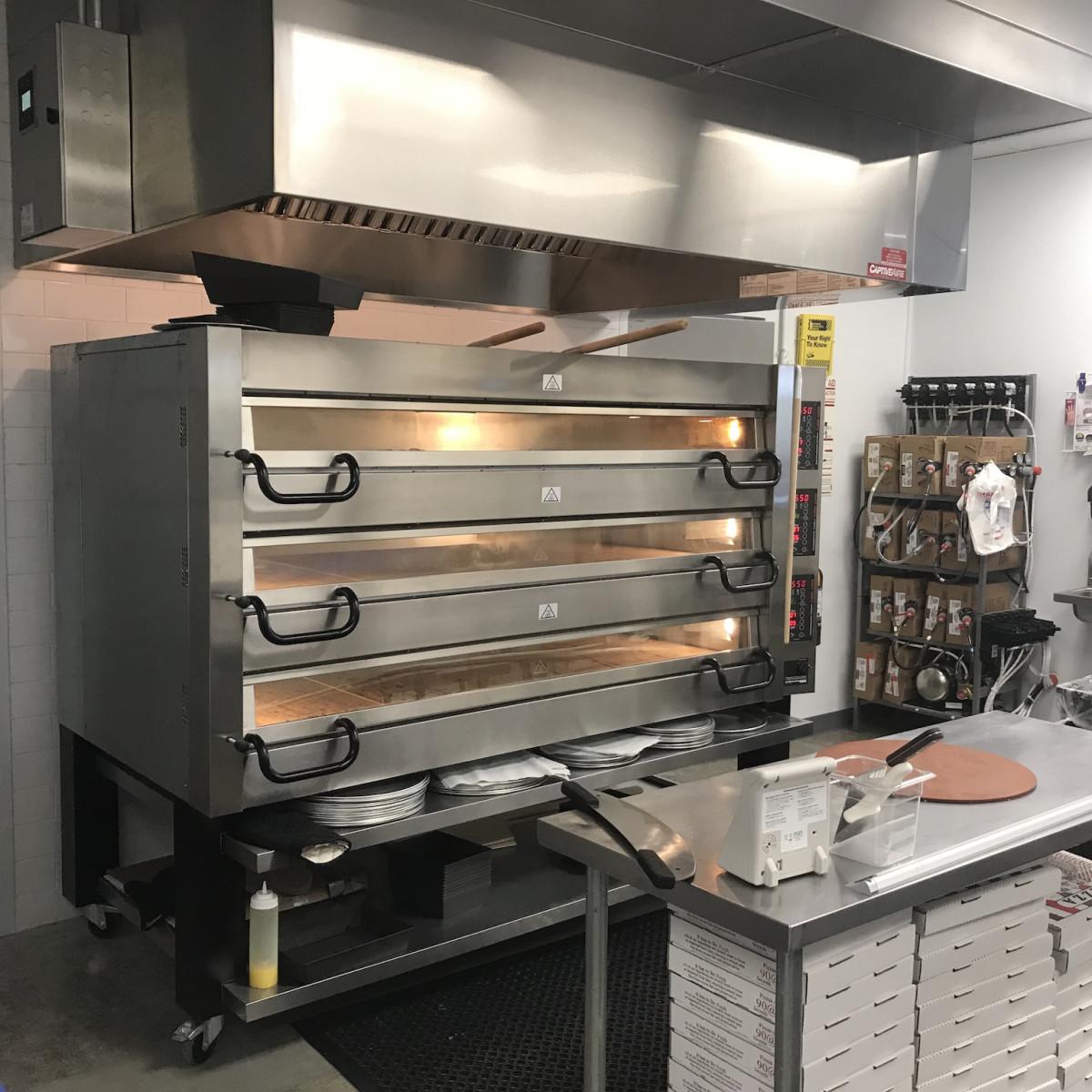 Pizaro's Memorial deck oven