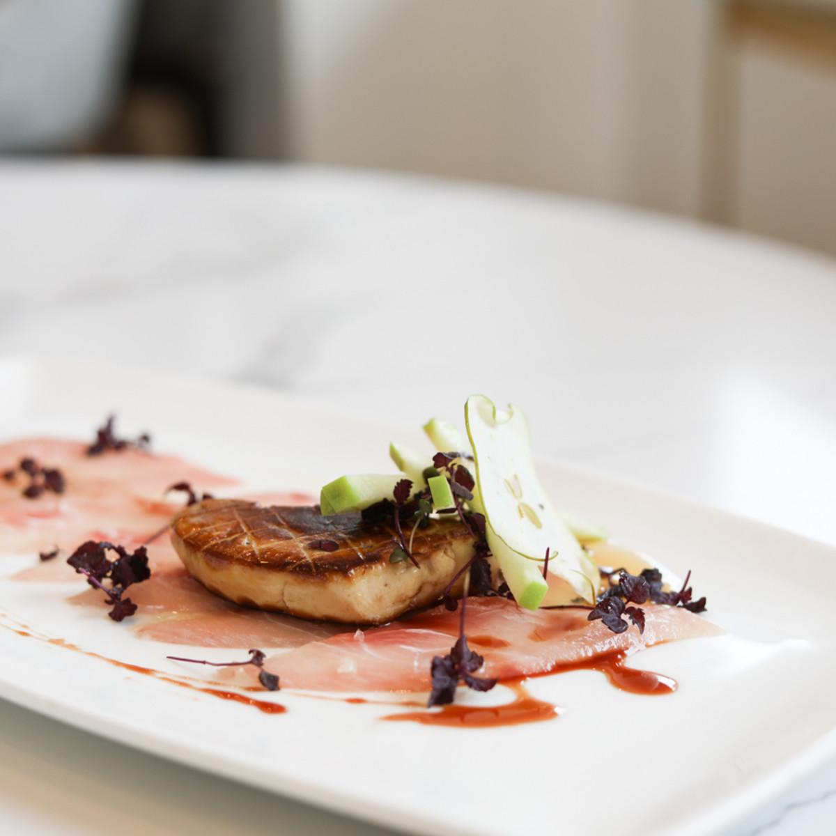 Bisou hamachi foie gras