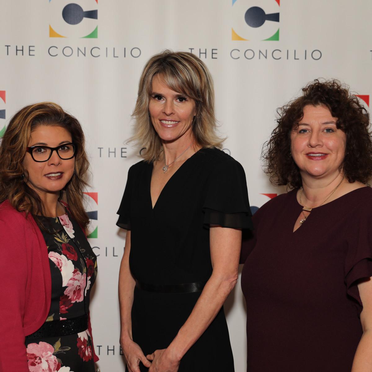 Lisa Moestas, Amy Morris, Julie Casey