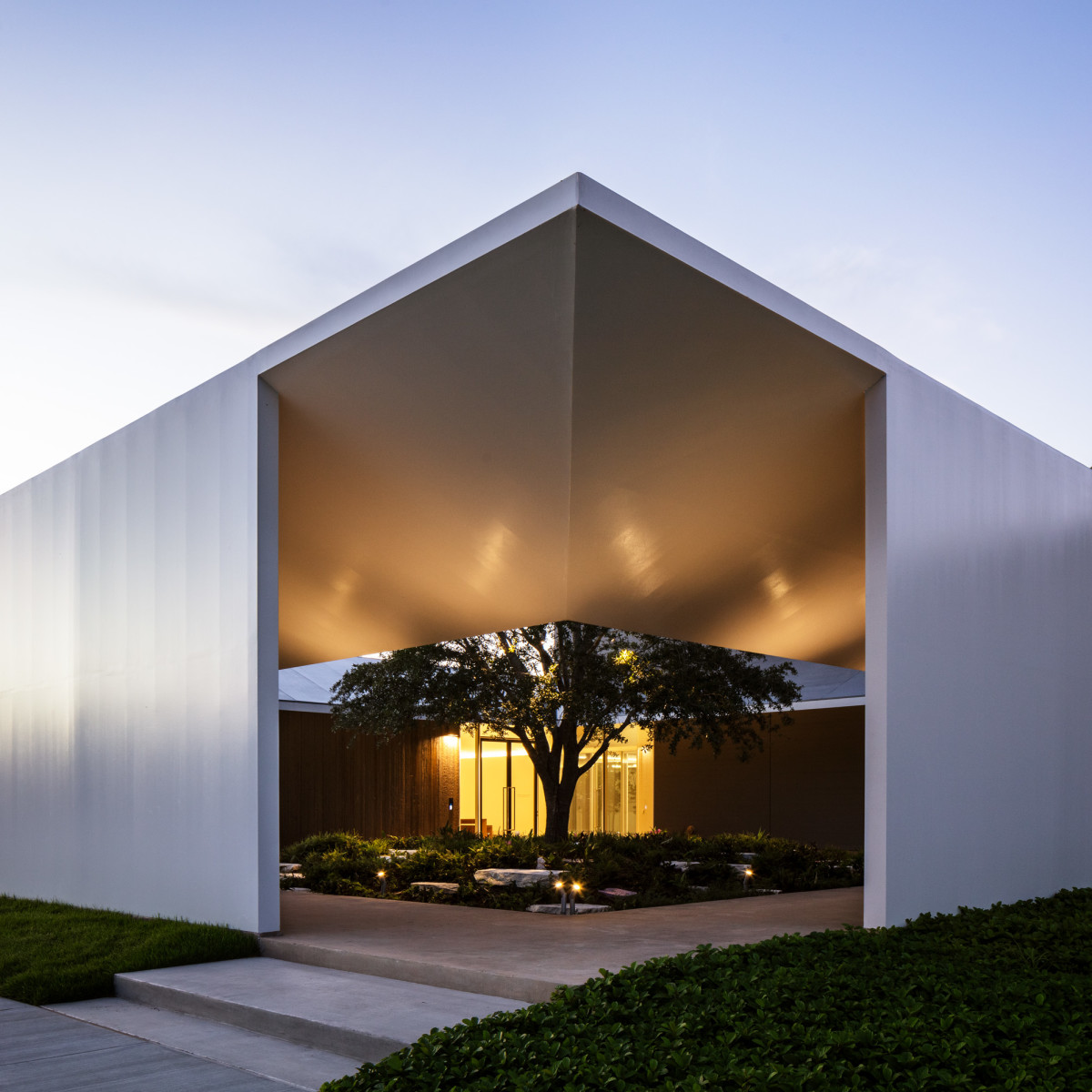 Menil Drawing Institute south side
