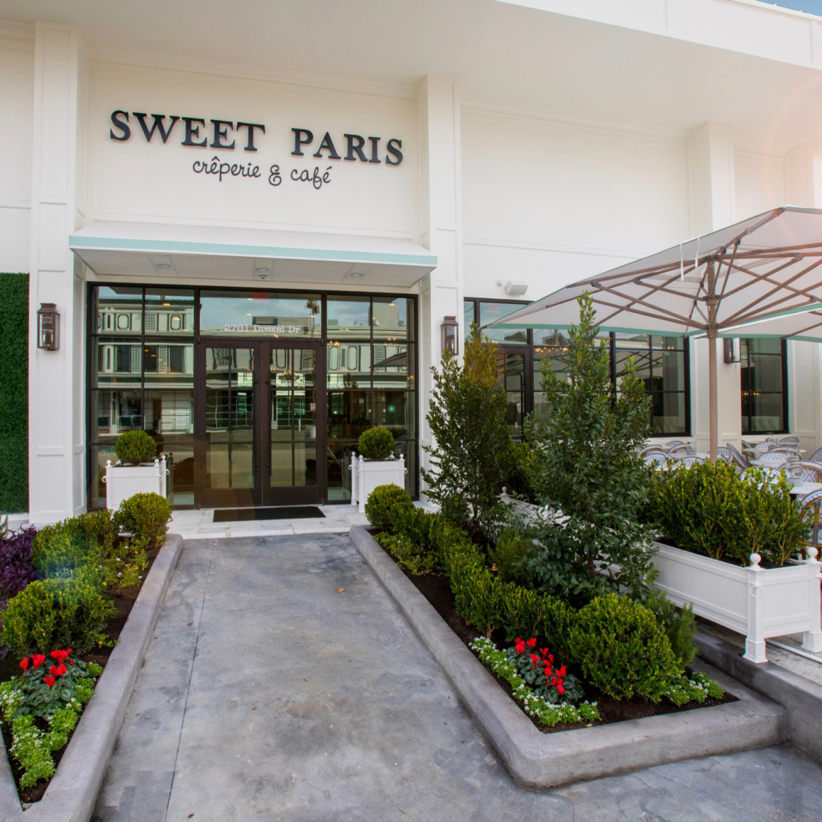Sweet Paris Creperie Highland Village exterior