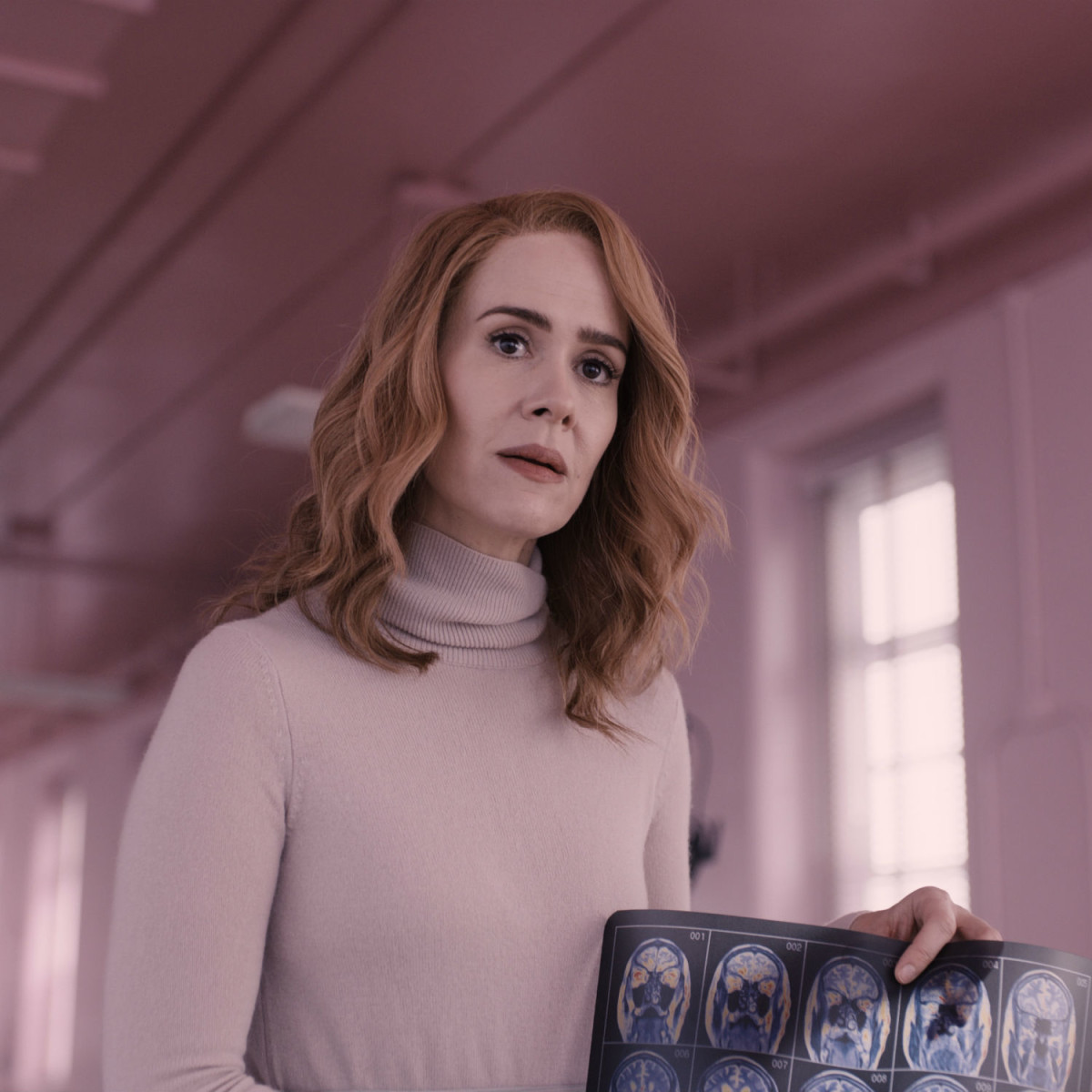 Sarah Paulson in Glass