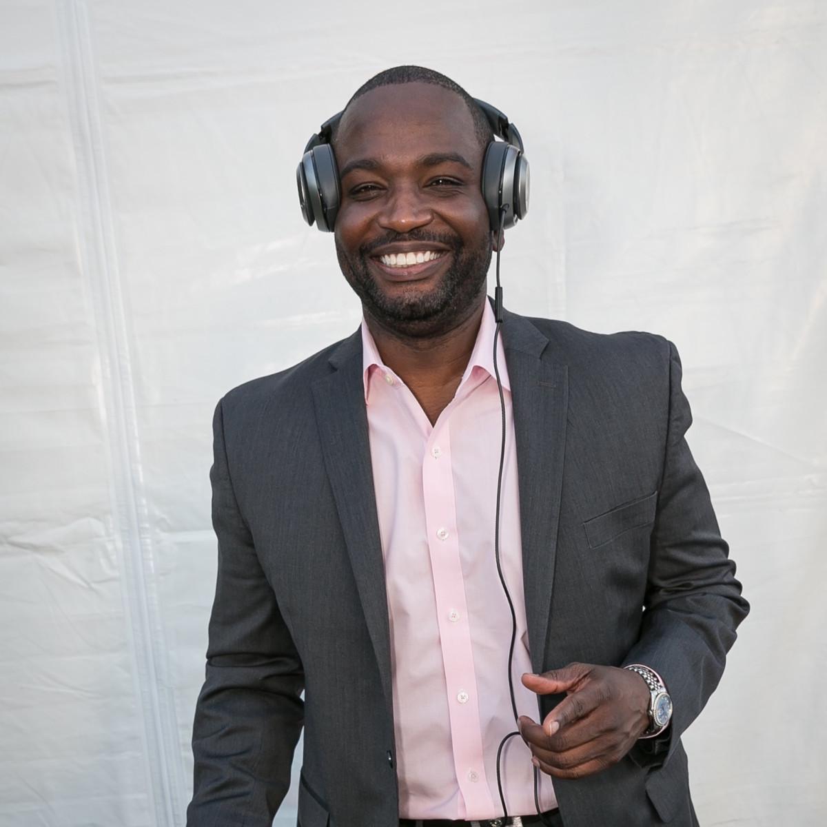 Valobra grand opening party DJ Seneca