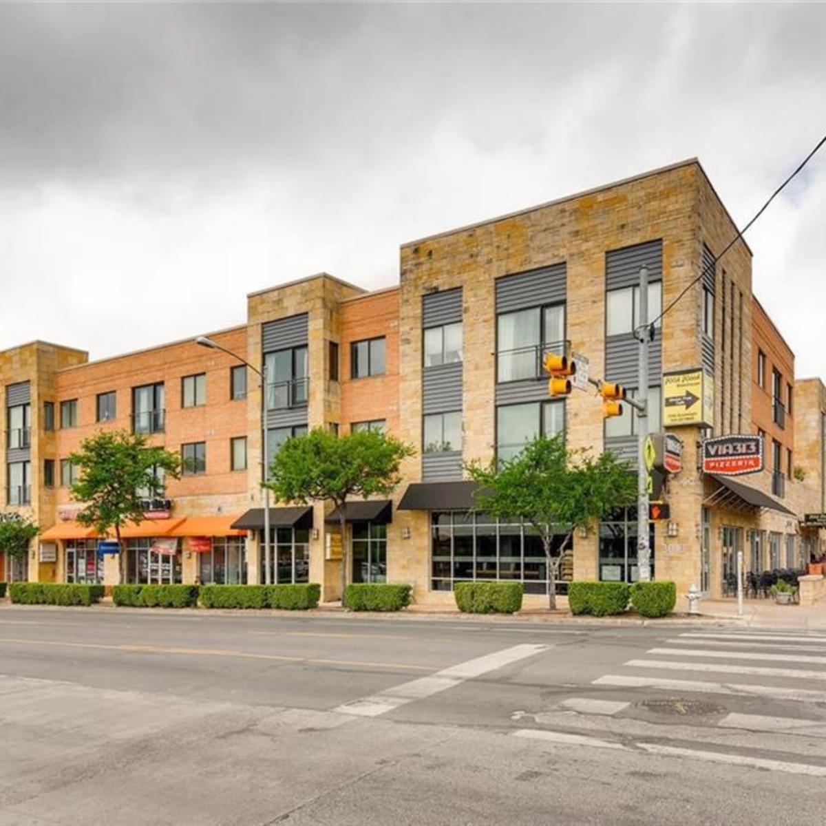 Guadalupe Via 313 building exterior