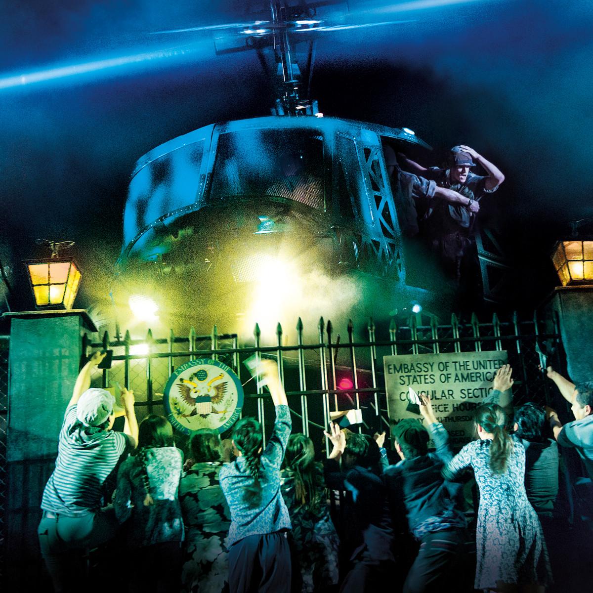 Miss Saigon tour-helicopter lands