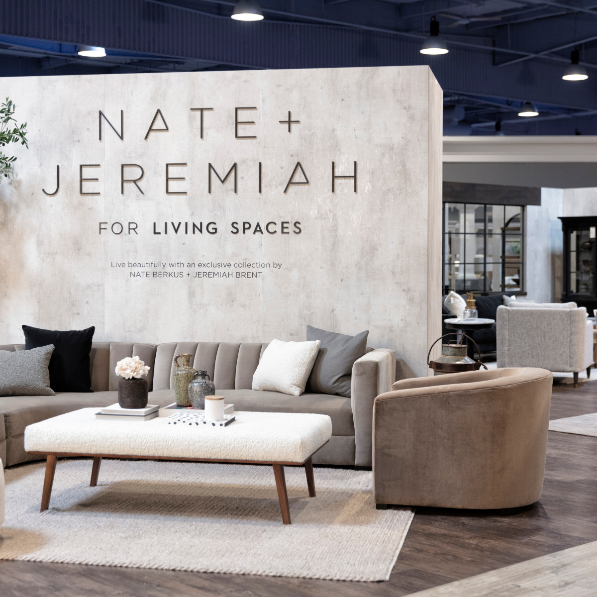 West Coast Home Store Greets Dfw With Special Treat From Joanna