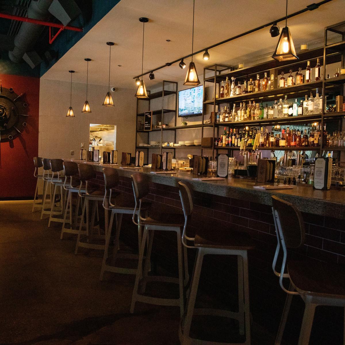 District Kitchen North bar