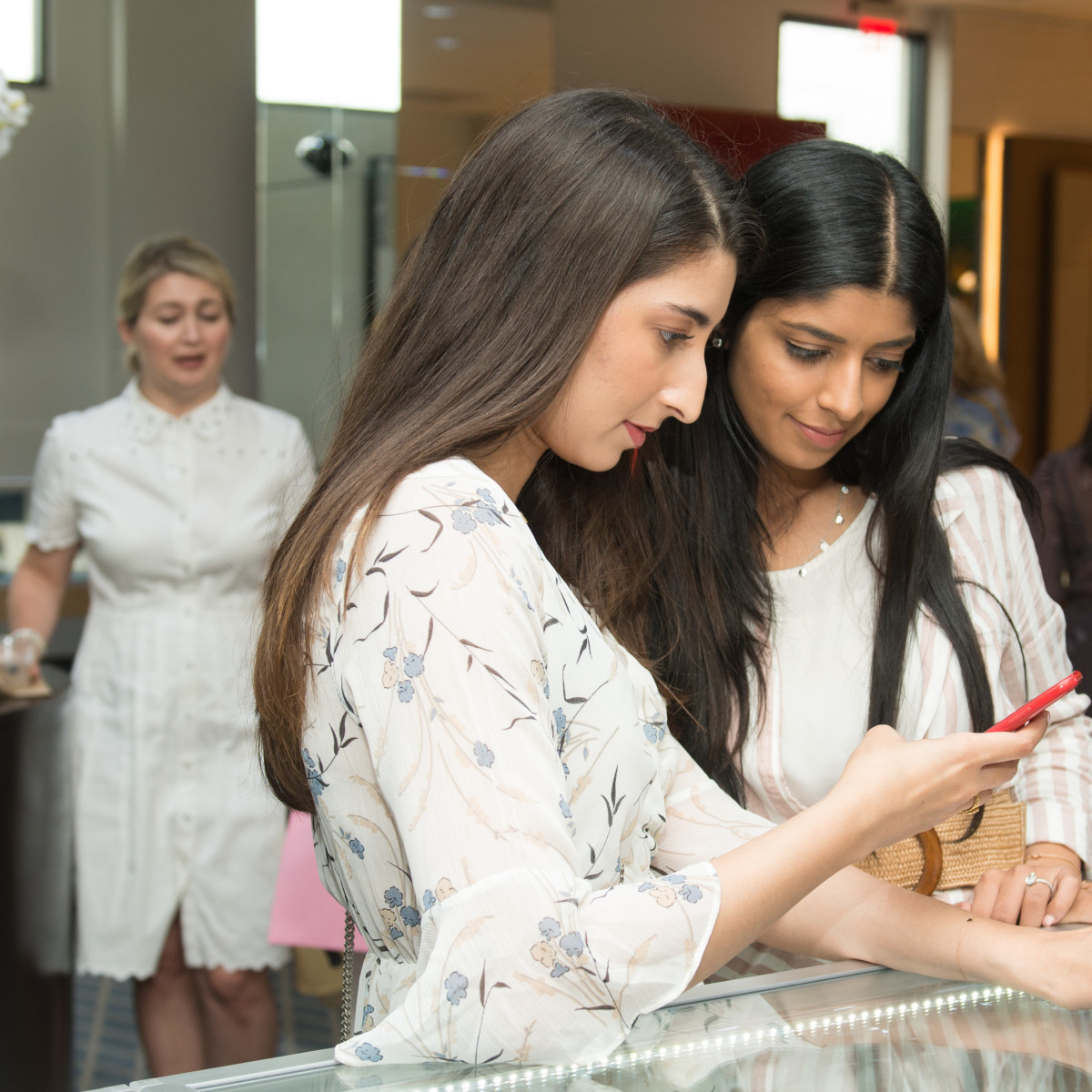Deutsch Belles and Baubles 2019 Madiha Jamil and Samija Jafri