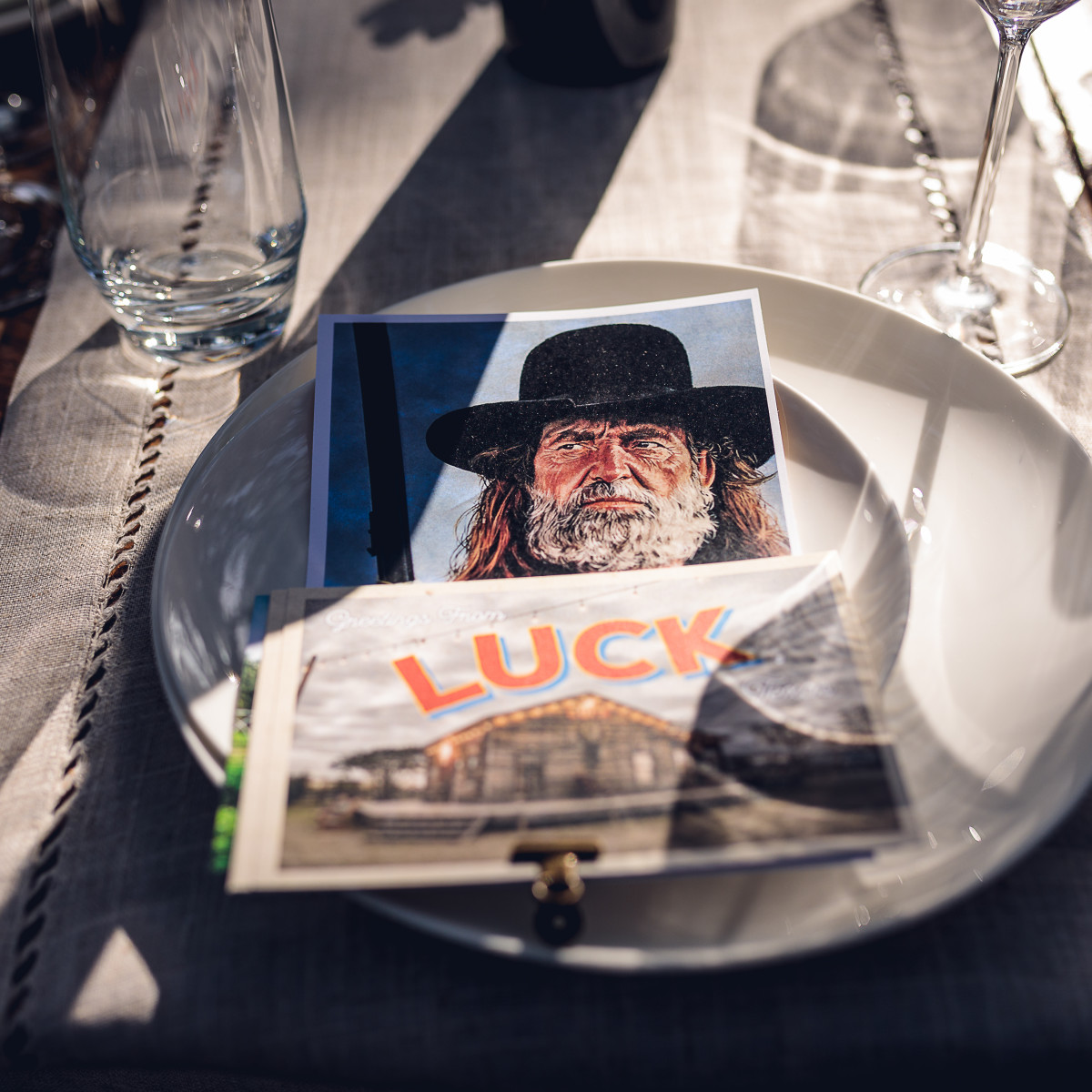 Luck Cinema Willie Place Setting