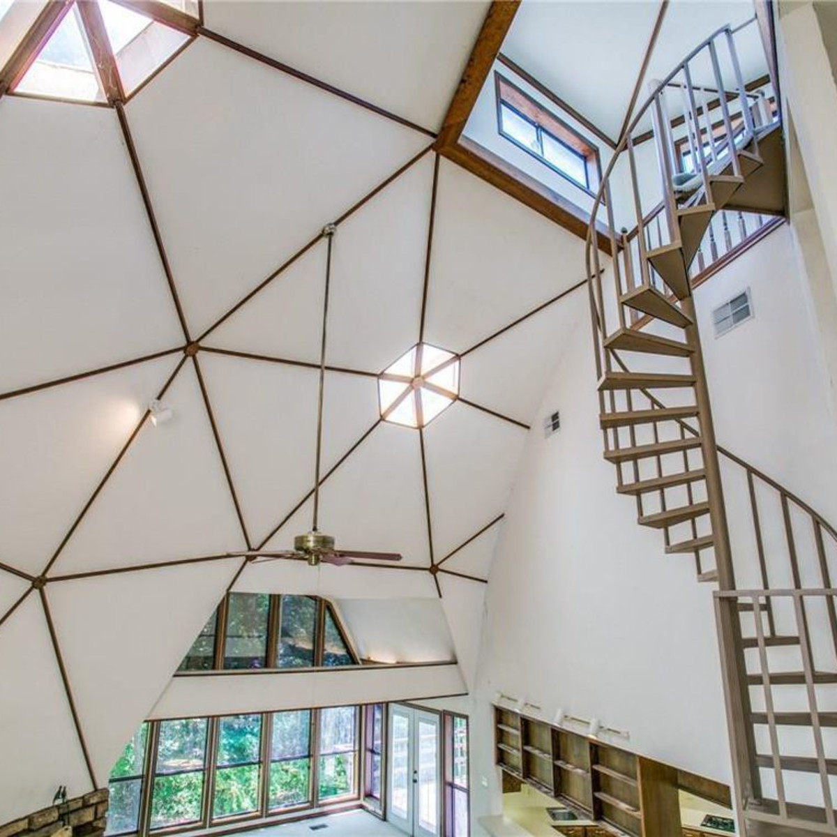 Geodesic dome house, 2056 Kimball, Southlake