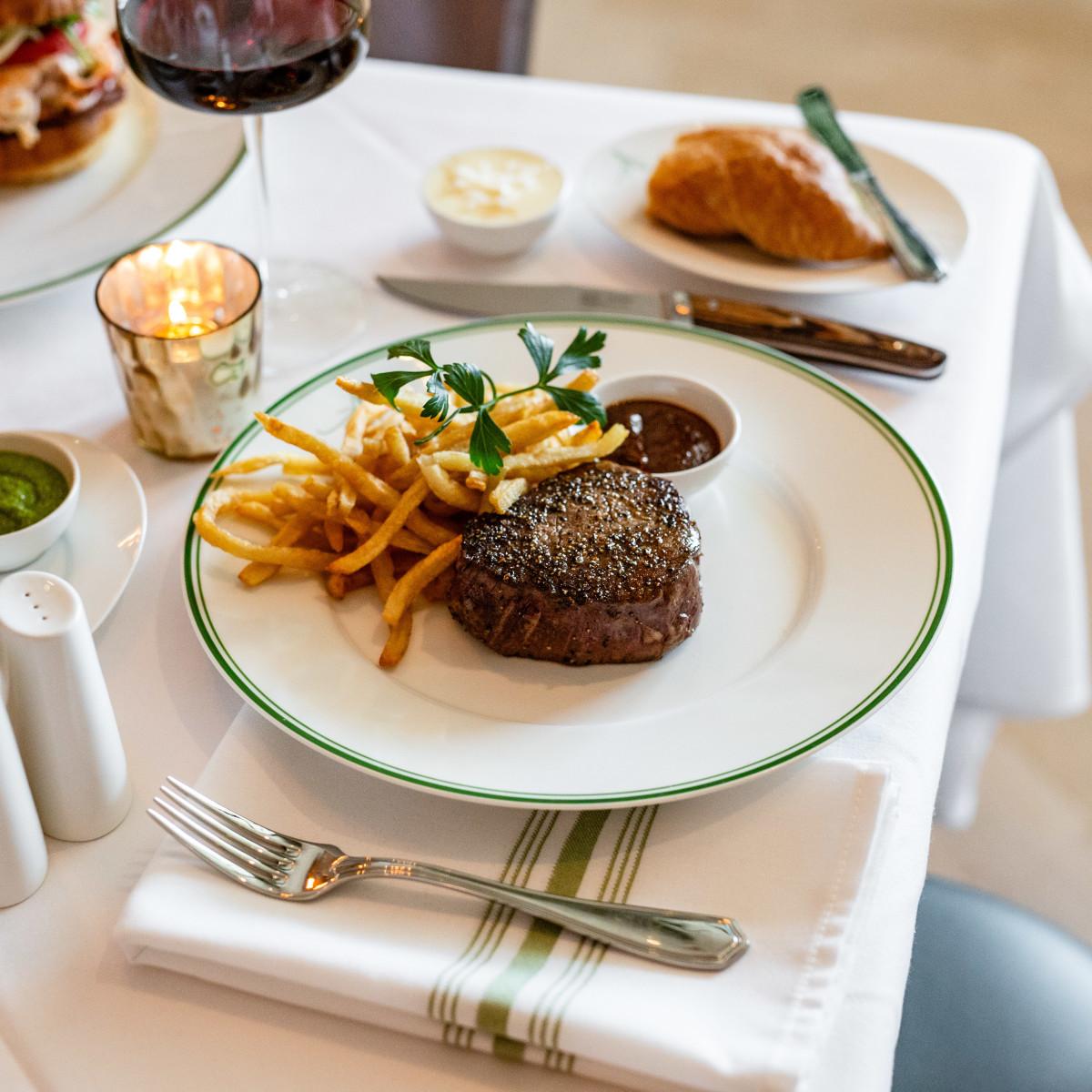 The Annie Cafe steak frites