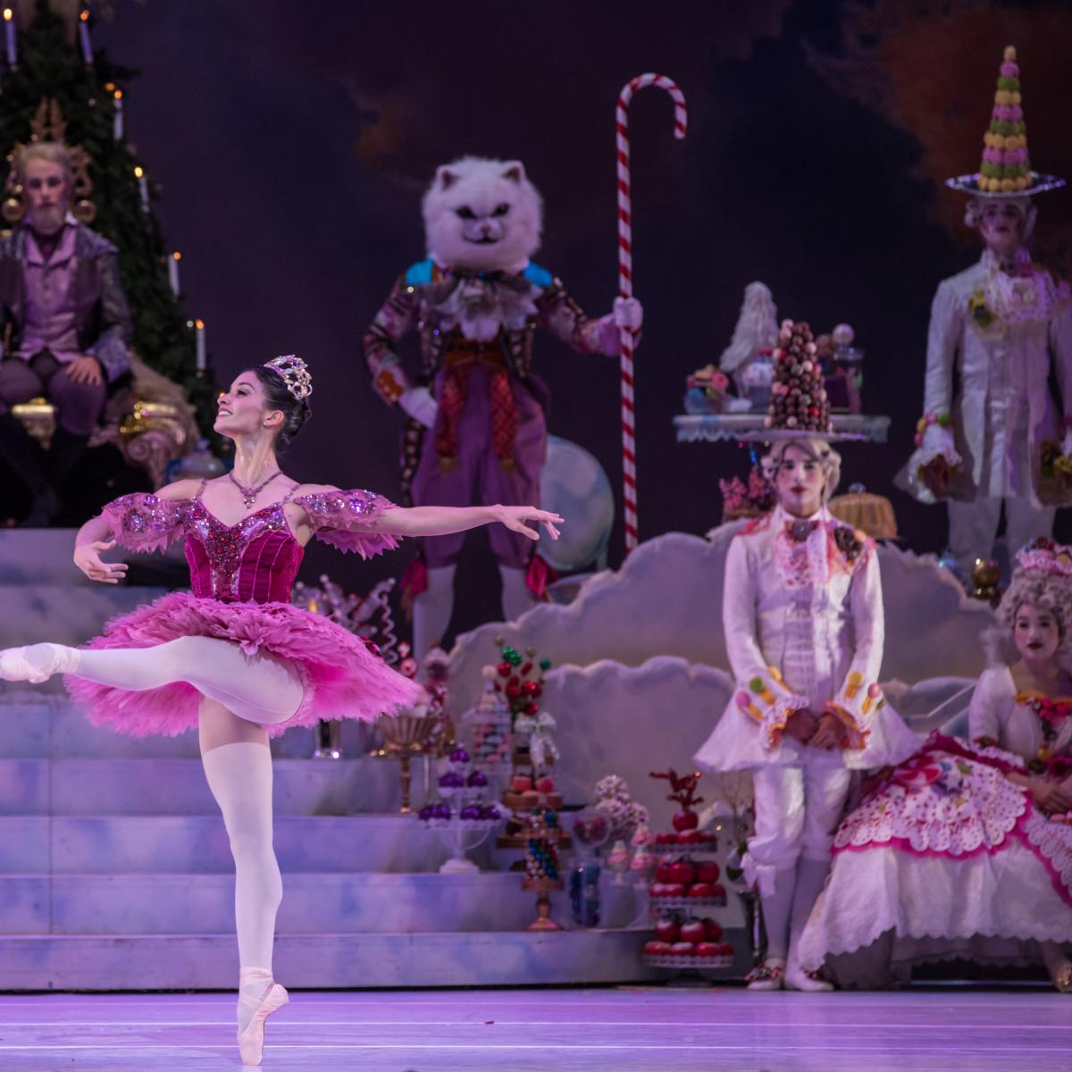 Houston Ballet Principal Karina González as Sugar Plum Fairy with Artists of Houston Ballet in Stanton Welch's The Nutcracker