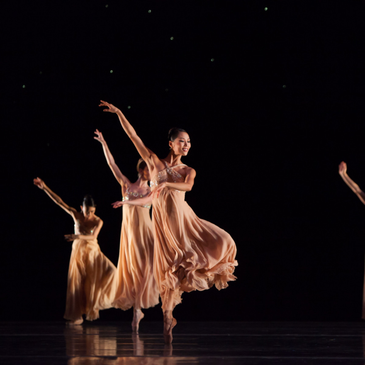 Artists of Houston Ballet in Stanton Welch's Nosotros