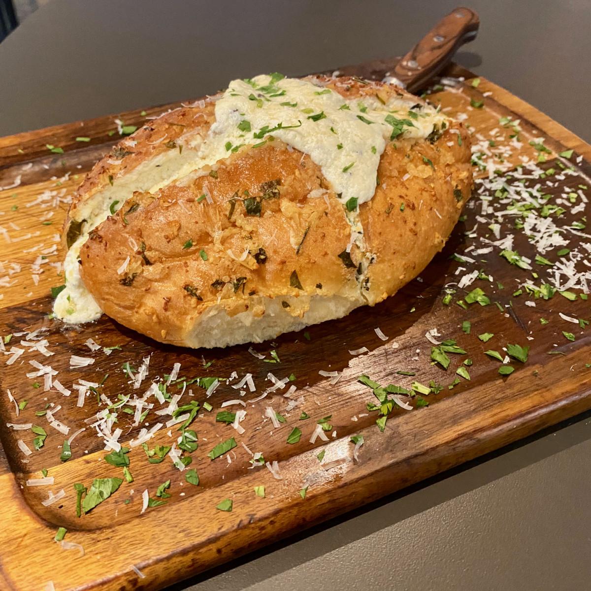 Dak & Bop garlic bread
