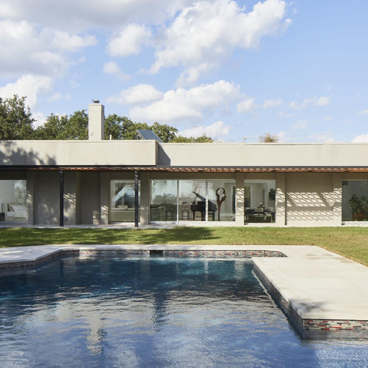 CG&S: backyard with pool
