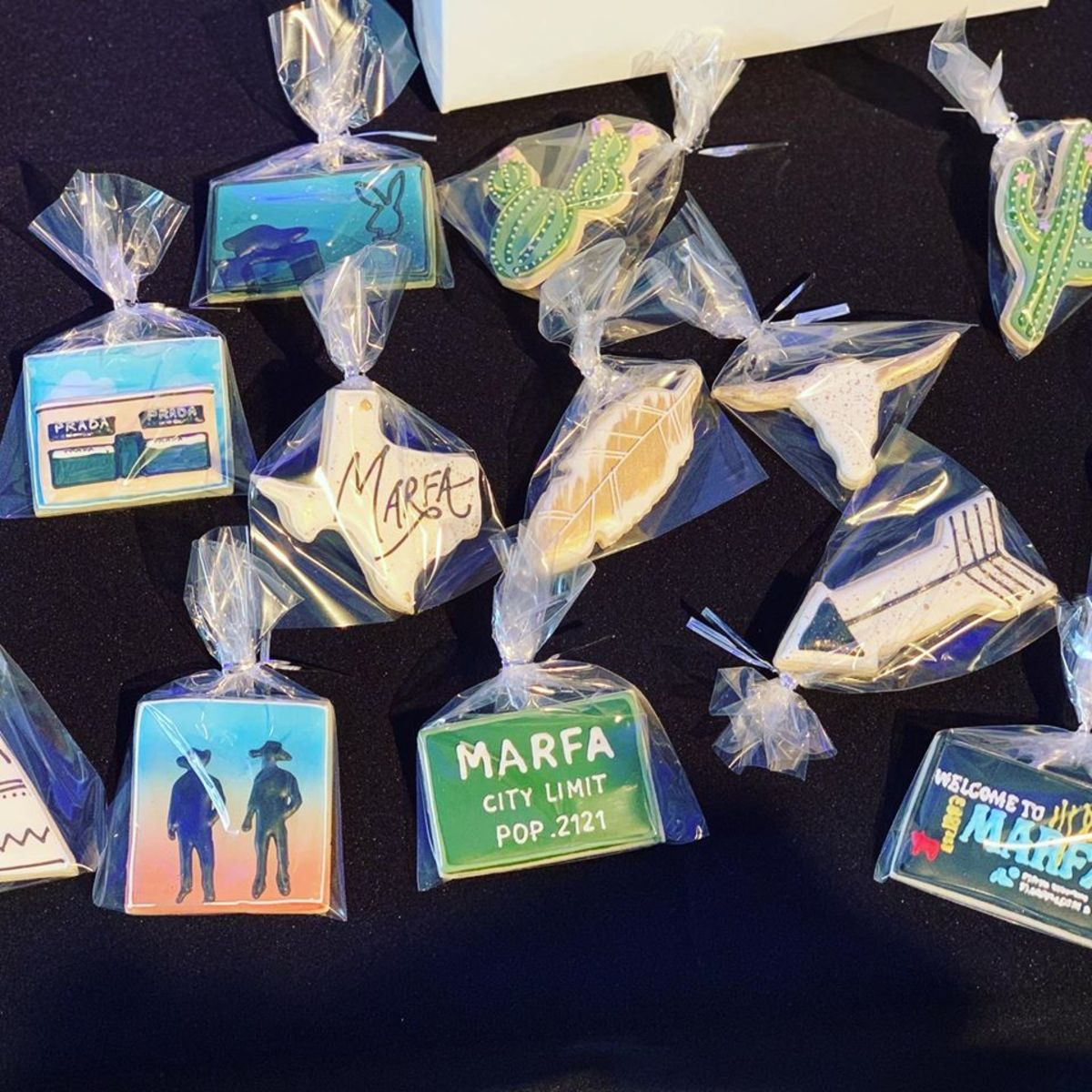 Marfa-themed cookies from Jenna Bakes