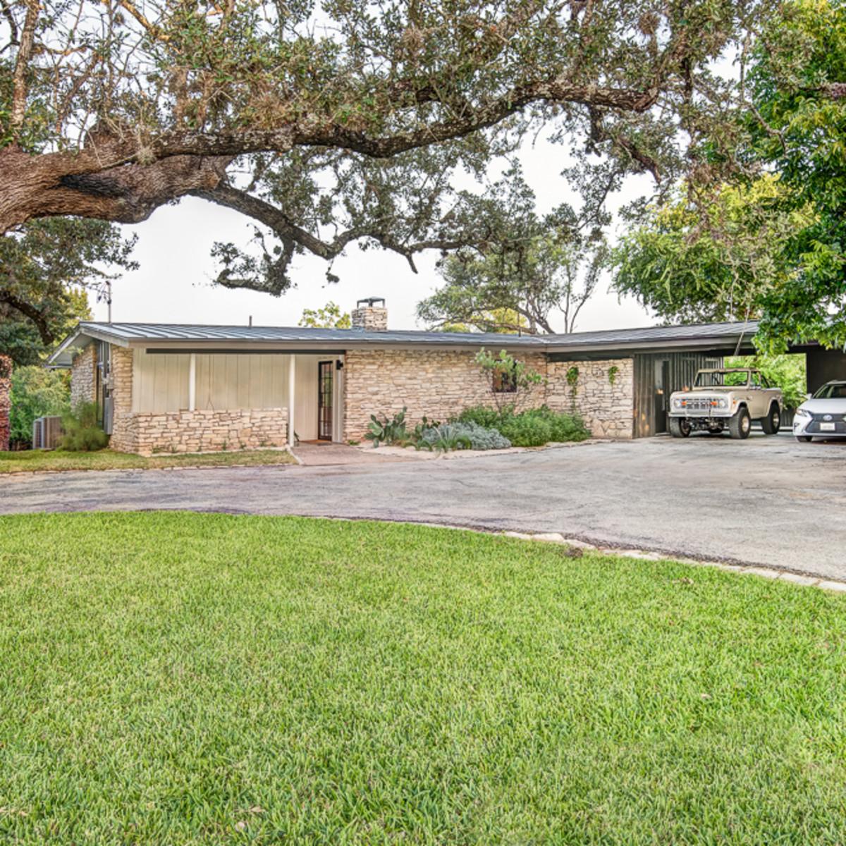 126 Lakeway Austin home