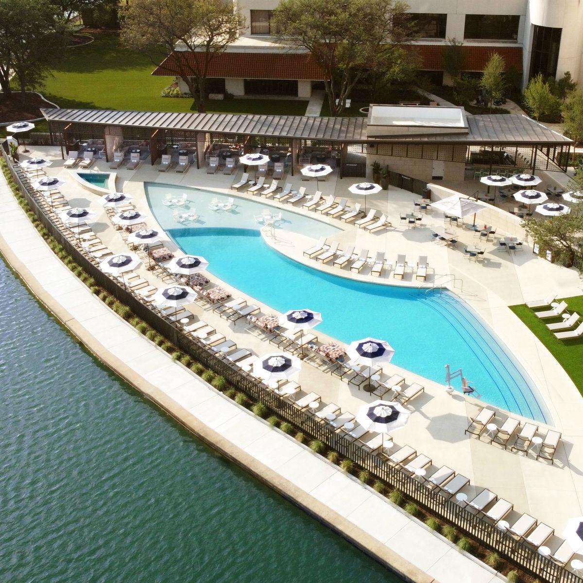 Omni Hotel at Las Colinas pool