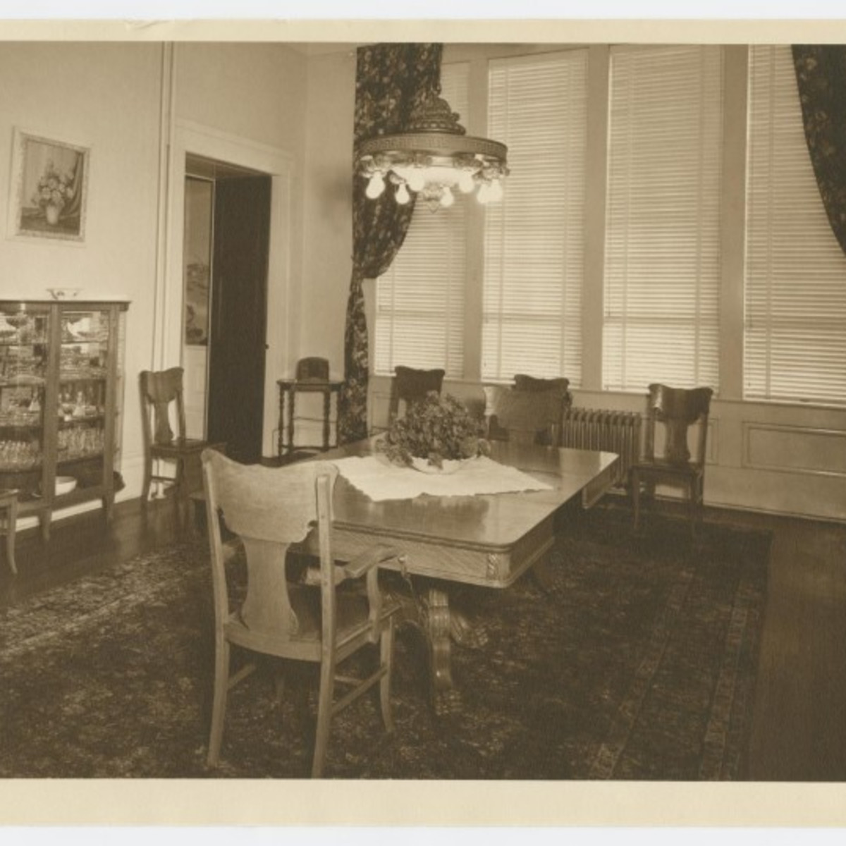 Texas Governor's Mansion dining room