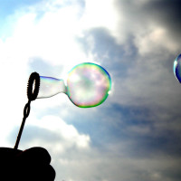 News_Summer fun_blowing bubbles_placeholder