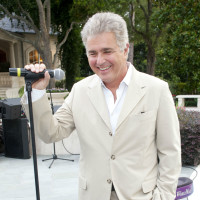 News_001_Houston Children's Charity_Gathering of Champions_May 2012_Steve Tyrell.jpg