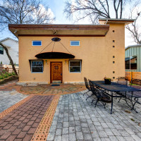 Austin home house 2105 E 9th St 78702 January 2016 front exterior