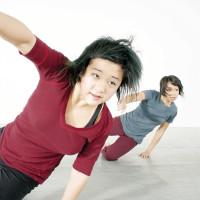 News_Suchu Dancers_Wozny_120309_Lindsay Gee_Tina Shariffskul_The Formers