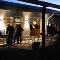 News_Janice Schindeler_Marathon_Jan. 2010_grilling_outdoors