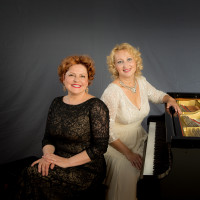 Golden Fingers: Classical Piano Duo AleAnya