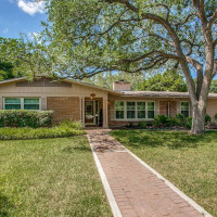 Home for sale in San Antonio's Oak Park neighborhood
