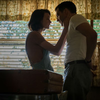 Carey Mulligan and Jake Gyllenhaal in Wildlife