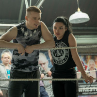 Jack Lowden and Florence Pugh in Fighting with My Family