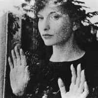 Reel Women in Film: <i>The Smiling Madame Beudet and Meshes of the Afternoon</i>