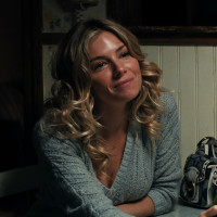 Sienna Miller in American Woman