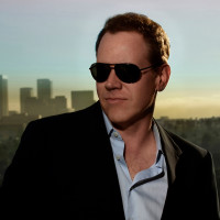 Bret Easton Ellis head shot