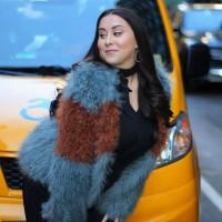 Claudia Oshry - Girl with No Job