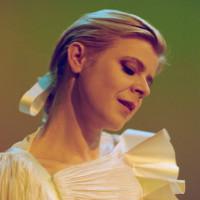 Robyn singer