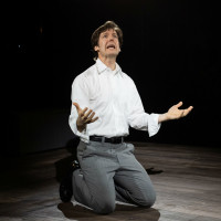Stephen Thorne in Alley Theatre's Camp David
