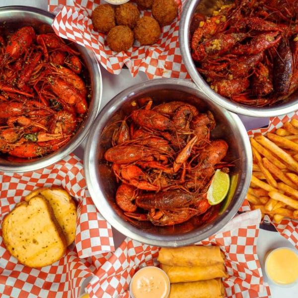 Popular Viet-Cajun crawfish restaurant steams up The Heights